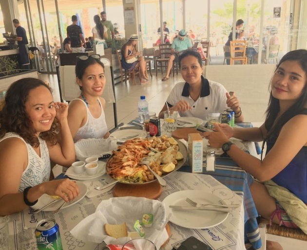 Lunch at ocean basket with friends
