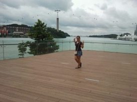 The cable car (my background) at vivo city